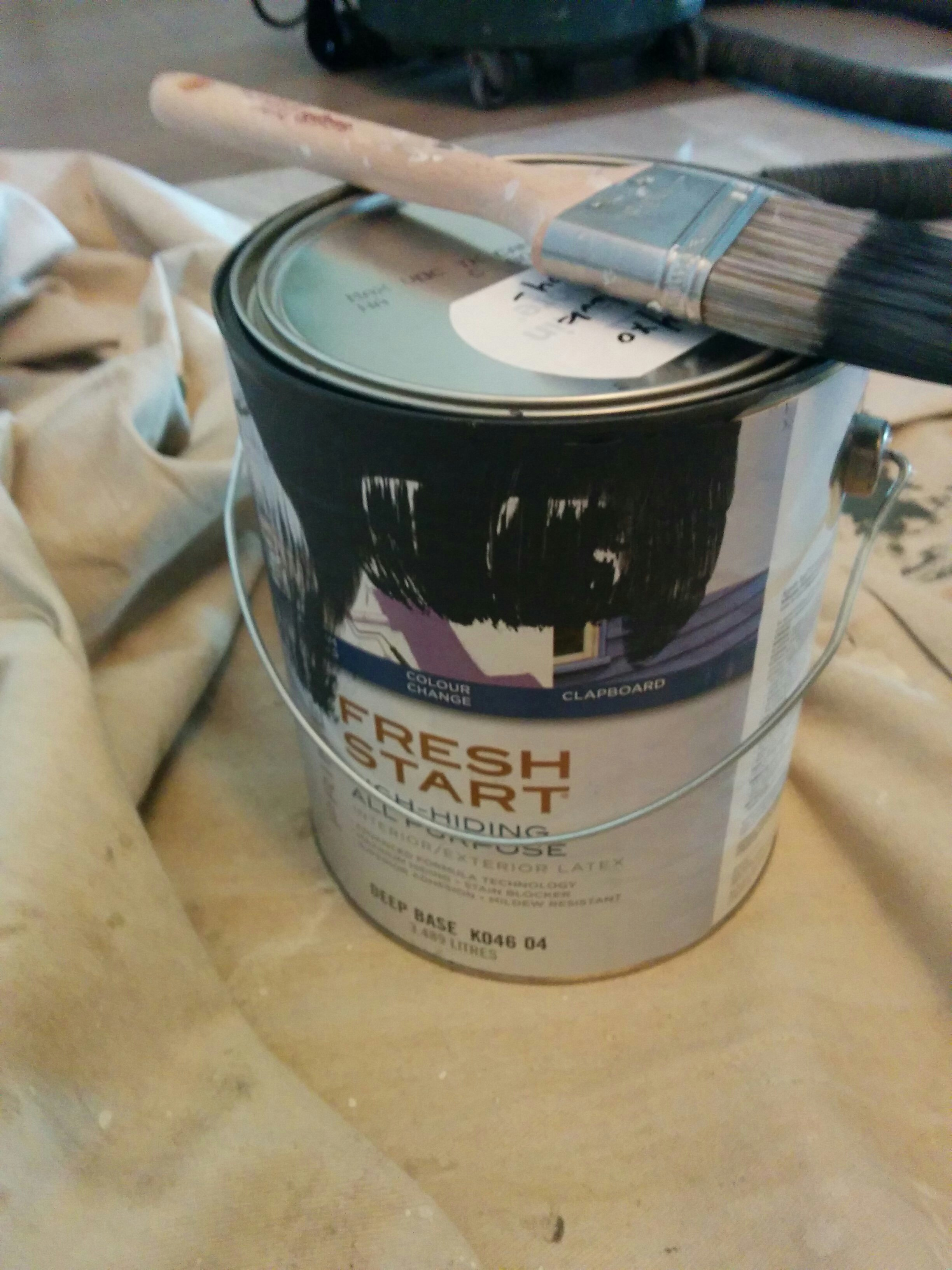 "Do painters get a ""kickback"" for buying paint?"